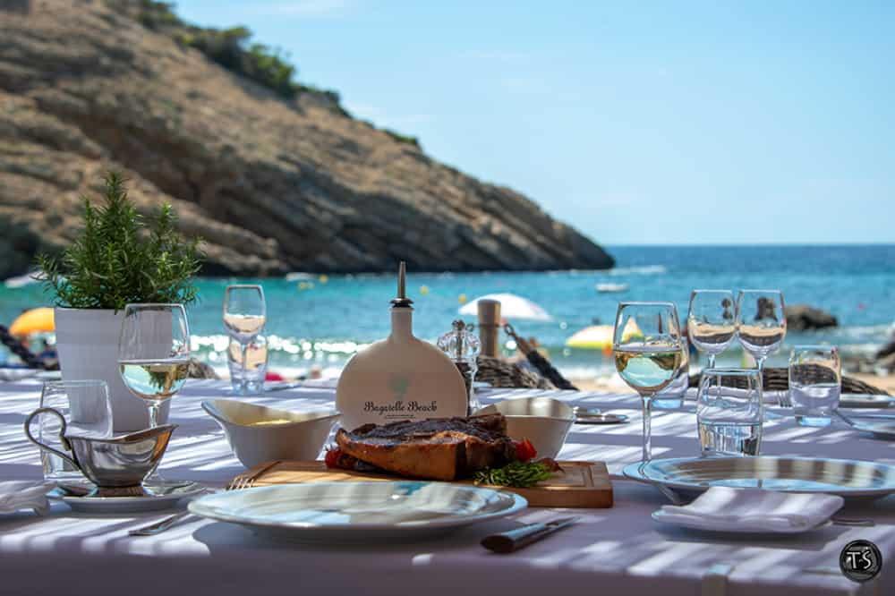 Bagatelle-Beach-Ibiza-cala-moli01
