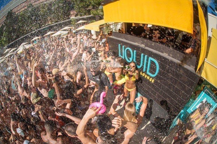 Liquid-Pool-Lounge-Las Vegas