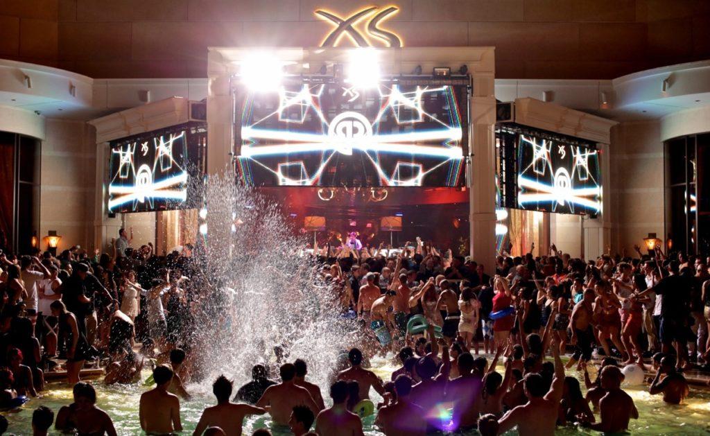 XS-Nightswim-in-Las-Vegas